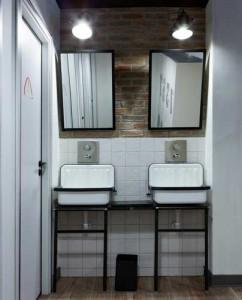 Alape uitstortgootsteen in de badkamer