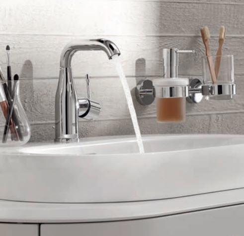 grohe essence new badkamer en keukenkranen. Black Bedroom Furniture Sets. Home Design Ideas