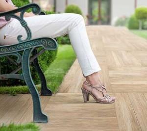 Keramische houtlooktegels voor buiten
