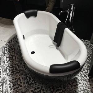 Riho DUA vrijstaand bad zwart-wit
